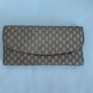 Gucci gold wallet